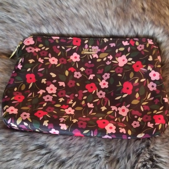 kate spade Handbags - Kate Spade Make Up Bag